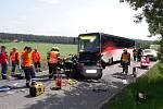 Při dopravní nehodě na Berounsku se srazil osobní automobil s autobusem.