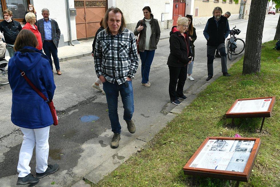 Pietní akce k uctění památky posledních židovských obyvatel Tetína popravených v nacistických vyhlazovacích táborech za 2. světové války.