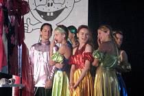 Tanečníci R.A.K. Beroun připravili večerní show.