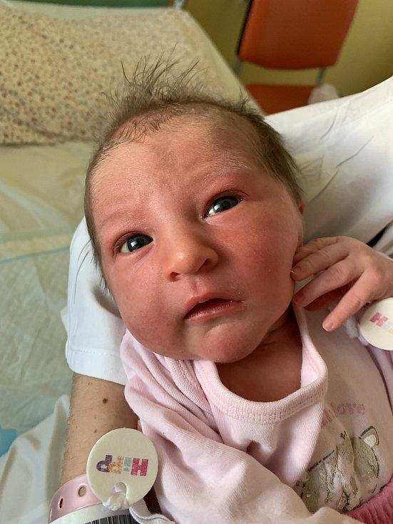 Daniela Votíková se narodila 13. července 2021 v rakovnické porodnici. Po narození vážila 3420 g a měřila 50 cm. S rodiči Petrem a Danielou bude bydlet v Žatci.