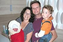 Klára a Honza Tihelkovi z Leče chovají v náručí syna Filípka (2 r. 10 m.) a novorozenou dcerku Evelin, která dostala jméno podle pohádkové postavy polní žínka Evelínka od F. Nepila. Evelinka se narodila 2. srpna 2016, vážila 3,52 kg a měřila 50 cm.
