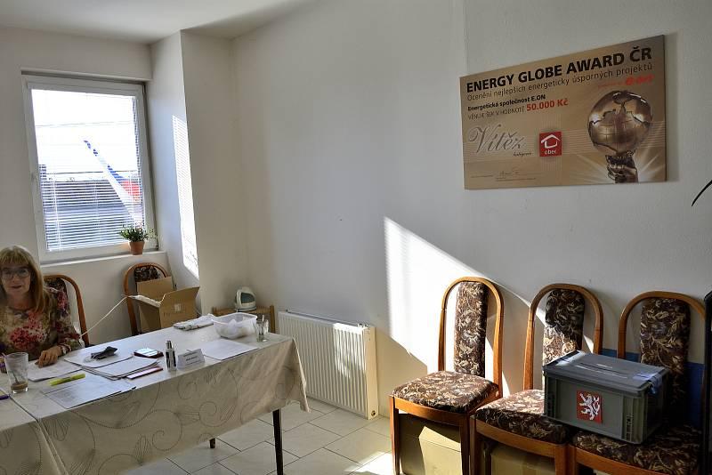 Volby Měňany.