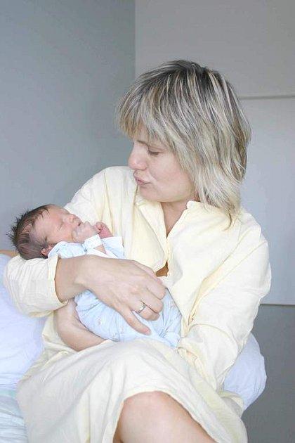Manželům Lence a Danielovi Sklenářovým z Příbrami se 29. 7. narodil syn Jakub. Chlapeček vážil 3,20 kg a měřil 50 cm. Doma se na Kubíka těší bráška Daniel.