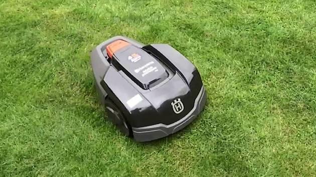 Robotická sekačka Husqvarna Automower 105.