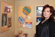 V městské galerii je vystaveno mnoho kreseb, maleb, grafik a dalších výtvarných prací, které vytvořili žáci čtyř berounských základních škol  a žáků základní umělecké školy.