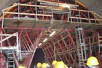 Výstavba železničního tunelu Osek