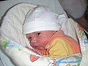 Manželům Martině a Tomášovi Pecháčkovým z Berouna se ve středu 19. března 2014 narodila dcerka Nicole – Lien a rodiče ji přivedli na svět společně. Holčička vážila po porodu 3,40 kg a měřila 49 cm.