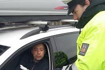 V berounském regionu se na dálnici D5 a okresních komunikacích uskutečnila celorepubliková dopravně bezpečnostní akce, která byla tentokrát zaměřená na povinnou výbavu vozidel.
