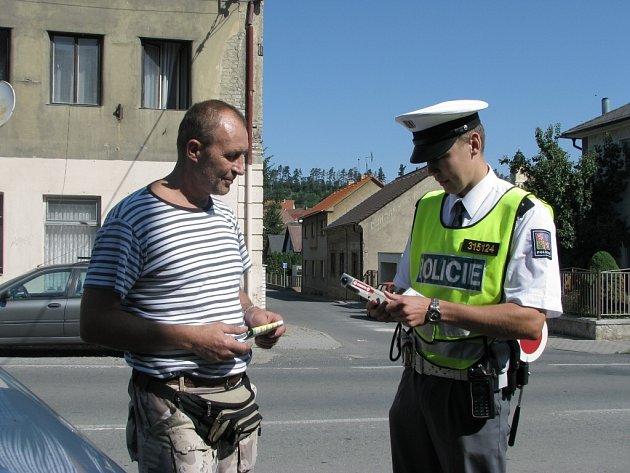Policie kontroluje přítomnost alkoholu u řidičů i při preventivních akcích