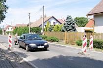 Dopravní omezení je v Tlustici už několik měsíců