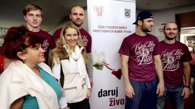 HC Sparta podporuje dárcovství kostní dřeně a registr v IKEM