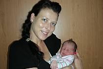 Simona Chromá se narodila 18. srpna 2014, vážila 3,82 kg, měřila 52 cm a je nejkrásnějším dárkem pro brášku Dominika, který 20. srpna oslavil 2. narozeniny. Manželé Monika a Jaroslav si Simonku odvezou z porodnice domů do Berouna.