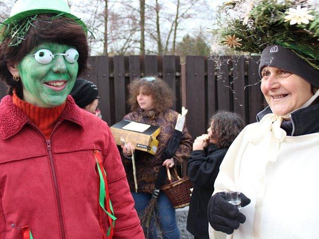 Kmasopustu patří dobré jídlo, pití a nápadité masky.