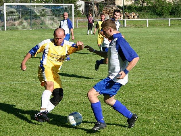 Stašov se v sobotu sice dostal na svém hřišti do vedení 1:0, nakonec ale podlehl soupeři z Neumětel 1:2.