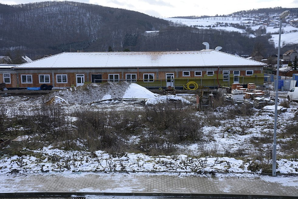 Z výstavby mateřské školy, jídelny a tělocvičny v Hýskově.
