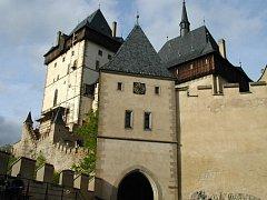 Účastníci workcampu v Karlštejně prožijí devět dnů nedaleko slavného hradu Karla IV.