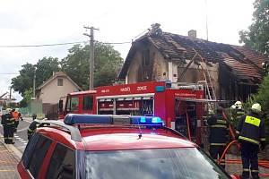 Požár rodinného domu v obci Tmaň.