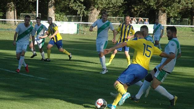 Z fotbalové I.B třídy, sk. E: AFK Loděnice - TJ Sokol Daleké Dušníky 5:1 (4:0).
