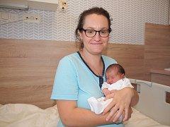 Šťastnou maminkou se stala paní Lenka Hošková. Její dcera Laura vážila 3 100 g a měřila 47 centimetrů.