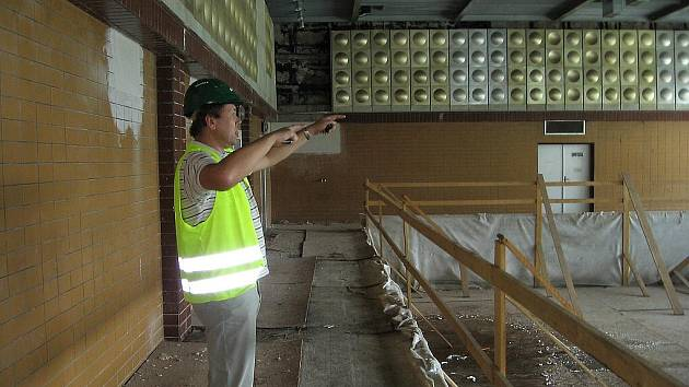 Rekonstrukce hořovického bazénu pokračuje