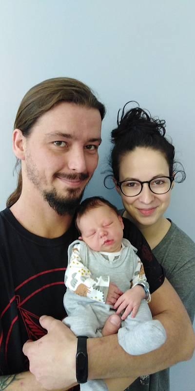 Viliam Volenec se poprvé na svět podíval 4. června 2021 ve 13. 06 hodin v čáslavské porodnici. Vážil 3150 gramů a měřil 50 centimetrů. Doma v Červených Pečkách ho přivítali maminka Zuzana a tatínek Vojtěch.