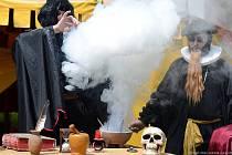 Dobové slavnosti na Točníku patří mezi vyhledávané akce, loni na hrad za dva dny dorazily tři tisícovky návštěvníků.