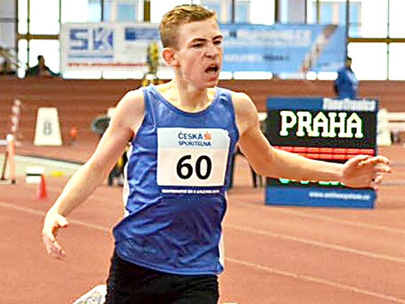 Vojtěch Dryák sprintuje pro medaili.