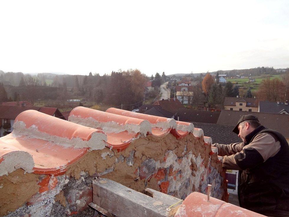 Záchrana nejstarší zděné budovy v Zaječově