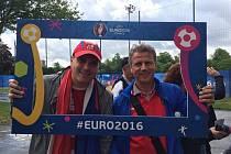Viktor Burkert se svým otcem na Euru ve Francii.