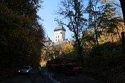 Cvičný požár hradu Karlštejn likvidovalo 14 jednotek.