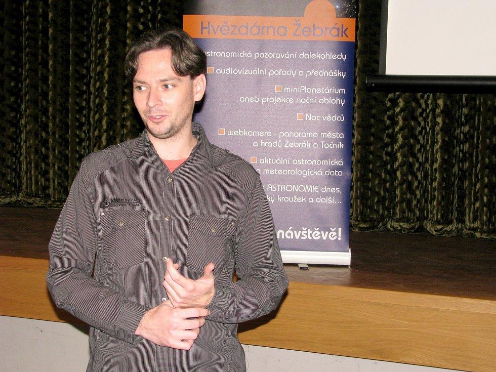 Popularizátor astronomie Petr Horálek přednášel v Žebráku