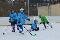 Z hokejového tréninku dětí