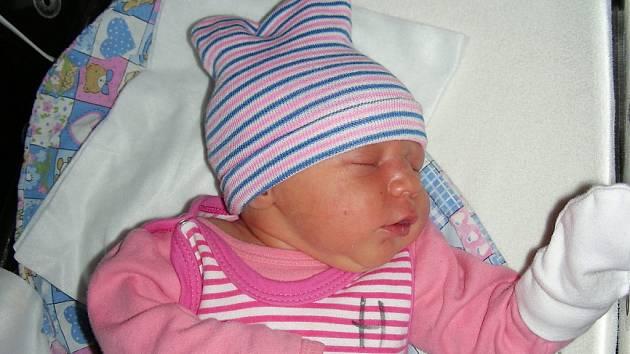 V hořovické porodnici přišla na svět Aneta K. ze Srbska. Anetu bude dětským světem provázet o tři roky starší sestřička Tea.