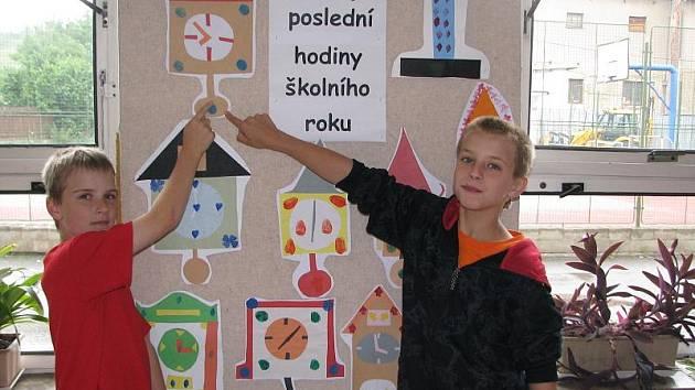 Školáci se těší na prázdniny.