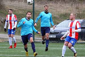 Fotbalová divize, skupina A: SK Senci Doubravka - Český lev Union Beroun 0:0, na penalty 3:4.