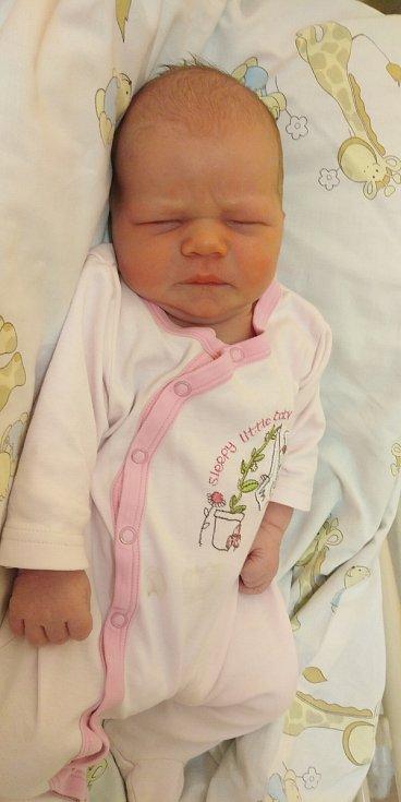 Barbora Růžičková prišla na svět 14. června 2021 ve 21. 45 hodin v čáslavské porodnici. Pyšnila se porodními mírami 4000 gramů a 54 centimetrů. Domů do Čáslavi si ji odvezli maminka Veronika, tatínek David a pětiletý bráška Míša.