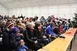 Sváteční atmosféra provázela oslavu adventu v Králově Dvoře. Zúčastnilo se jí kolem šesti set lidí.