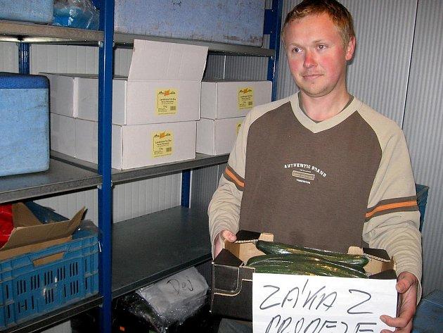 Podezřelé okurky z Nenačovic prověřuje inspekce
