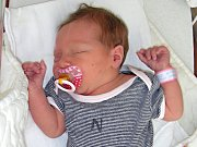PÁTEK 13. října 2017 je šťastným dnem pro Michaelu Soukupovou a Michala Vávru. Narodila se jim dcera a rodiče jí dali jméno Viktorie. Viktorčiny porodní míry byly 52 cm a 3,44 kg. Doma v Řevnicích se na sestřičku těšil bráška Domča (2 roky).