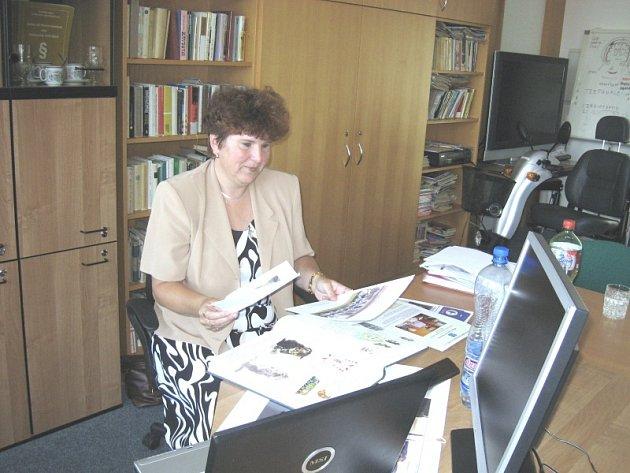 Předsedkyně Svazu Tělesně Postižených v Hořovicích Jarmila Gruntová plánuje pro organizaci plno společných akcí.