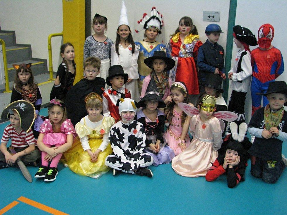 Karneval dětí ze ZŠ Králův Dvůr