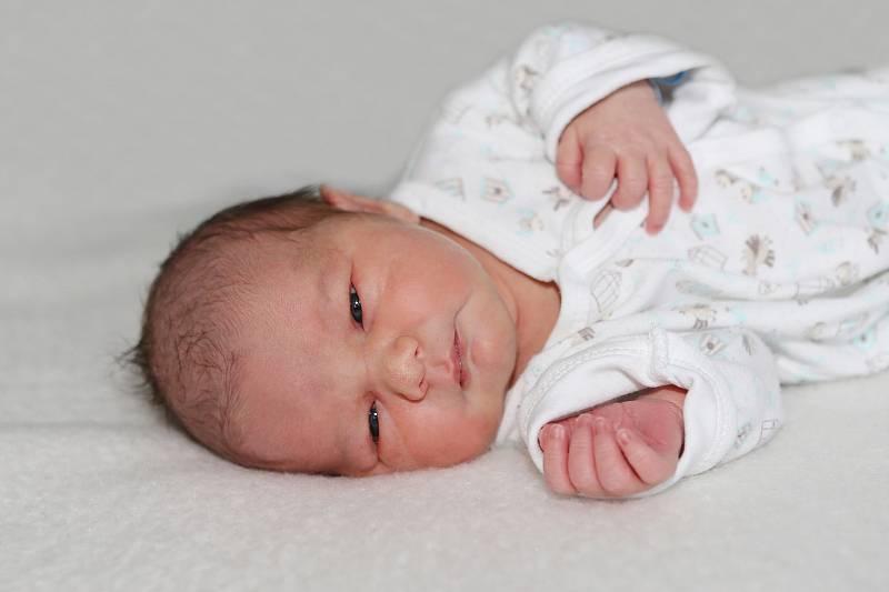 Kryštof Kraft se narodil 1. června 2021 v Příbrami. Vážil 3440g a měřil 50cm. Doma v Nalžovicích ho přivítali maminka Bára, tatínek Pavel a pětiletá Adélka.