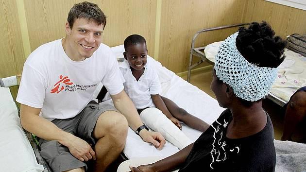 Hořovický ortoped Tomáš Šebek pomáhal tři měsíce na Haiti