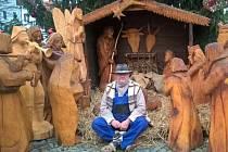 Dřevěný betlém podobný tomu v Berouně lhoteckým vyřeže Jan Viktora.