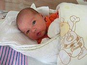 PĚKNOU váhou 3,97 kg a mírou 50 cm se mohla po narození pochlubit Karolínka Pešatová, která přišla na svět 16. března 2018. Karolínka je druhou dcerkou manželů Martiny a Karla z Haloun. Tříletá Danielka má ze sestřičky velkou radost.