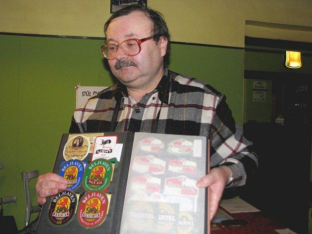 Jiříá Plot vlastní kolem 40 tisíc etiket