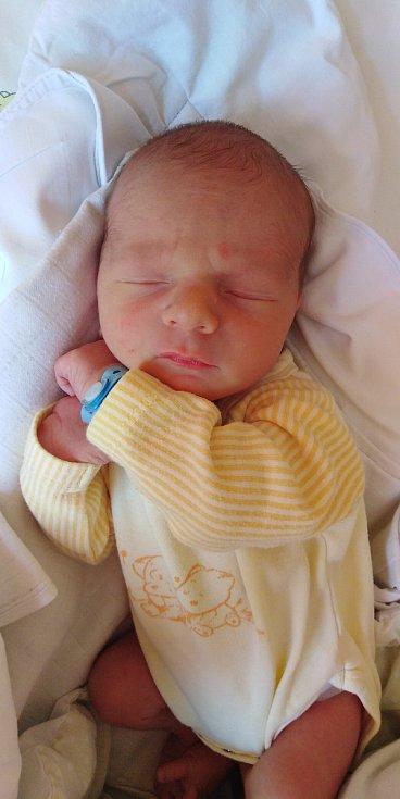 Matěj Lupínek se narodil 2. června 2021 v 7. 42 hodin v čáslavské porodnici. Pyšnil se porodní váhou 3040 gramů a délkou 48 centimetrů. Domů do Černín si ho odvezli maminka Monika, tatínek Tomáš a roční sestřička Terezka.