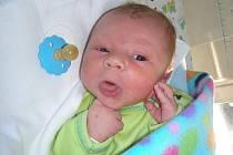 Na Štědrý den se měl narodit Lukáš Mrázek, ale týden si počkal a narodil se 1. ledna 2012 ve 22:27 hodin s váhou 2,94 kg. Rodiče Kateřina Poláková a Lukáš Mrázek si svoje nejkrásnější miminko odvezou z porodnice do Berouna.