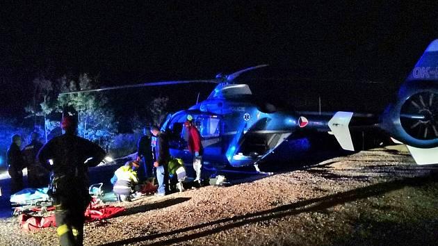 Večerní zásah při záchraně horolezce v lomu Mexiko u Mořiny.