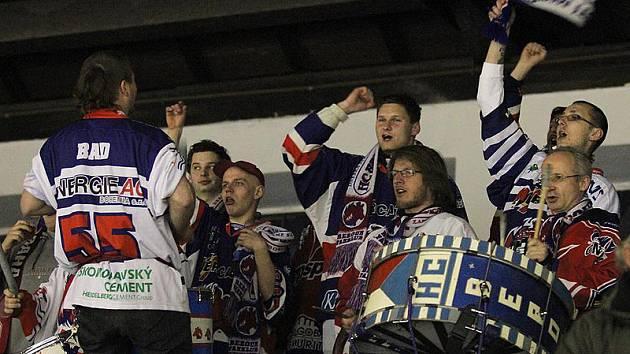 Berounští hokejisté vedli v utkání play-out nad Šumperkem 4:1, nakonec ale prohráli 4:5.